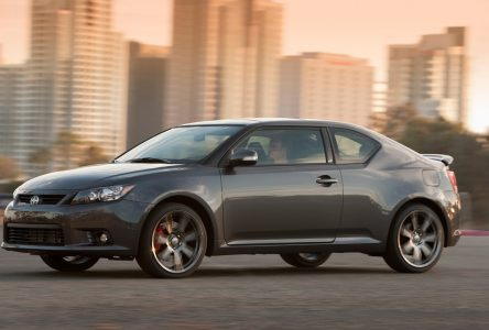 Scion tC  (2011 à 2016)