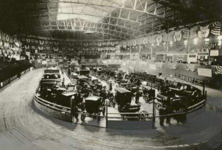 3 novembre 1900 – Premier Salon de l'auto de New York