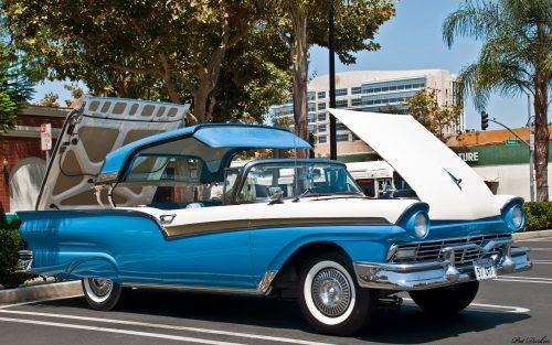 Ford Fairlane Skyliner 1957