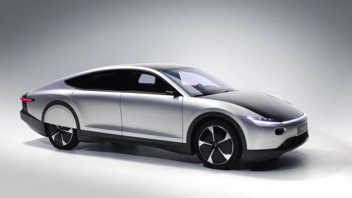 Une voiture à énergie solaire sur la route d'ici la fin de l'année 2021