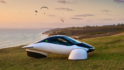 Un véhicule électrique solaire provenant de Californie