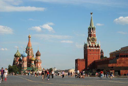 Se faire vacciner et courir la chance de gagner une voiture à Moscou