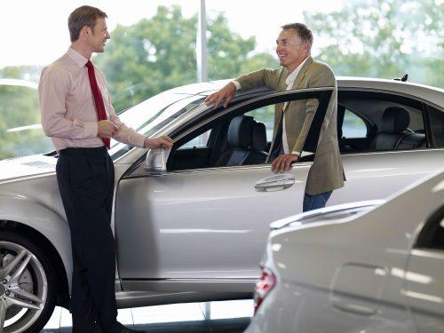 La mort des vendeurs automobiles?