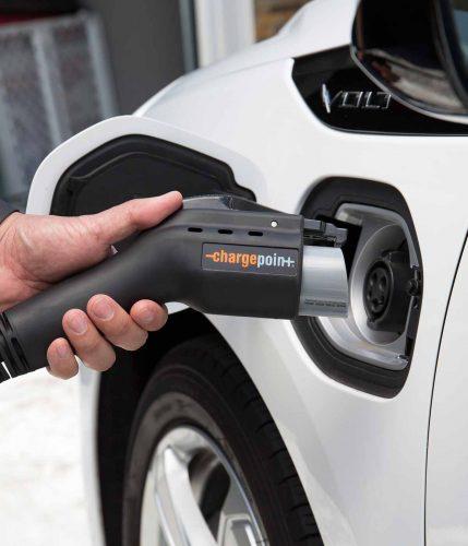 Peut-on régler la quadrature du cercle de la voiture électrique?