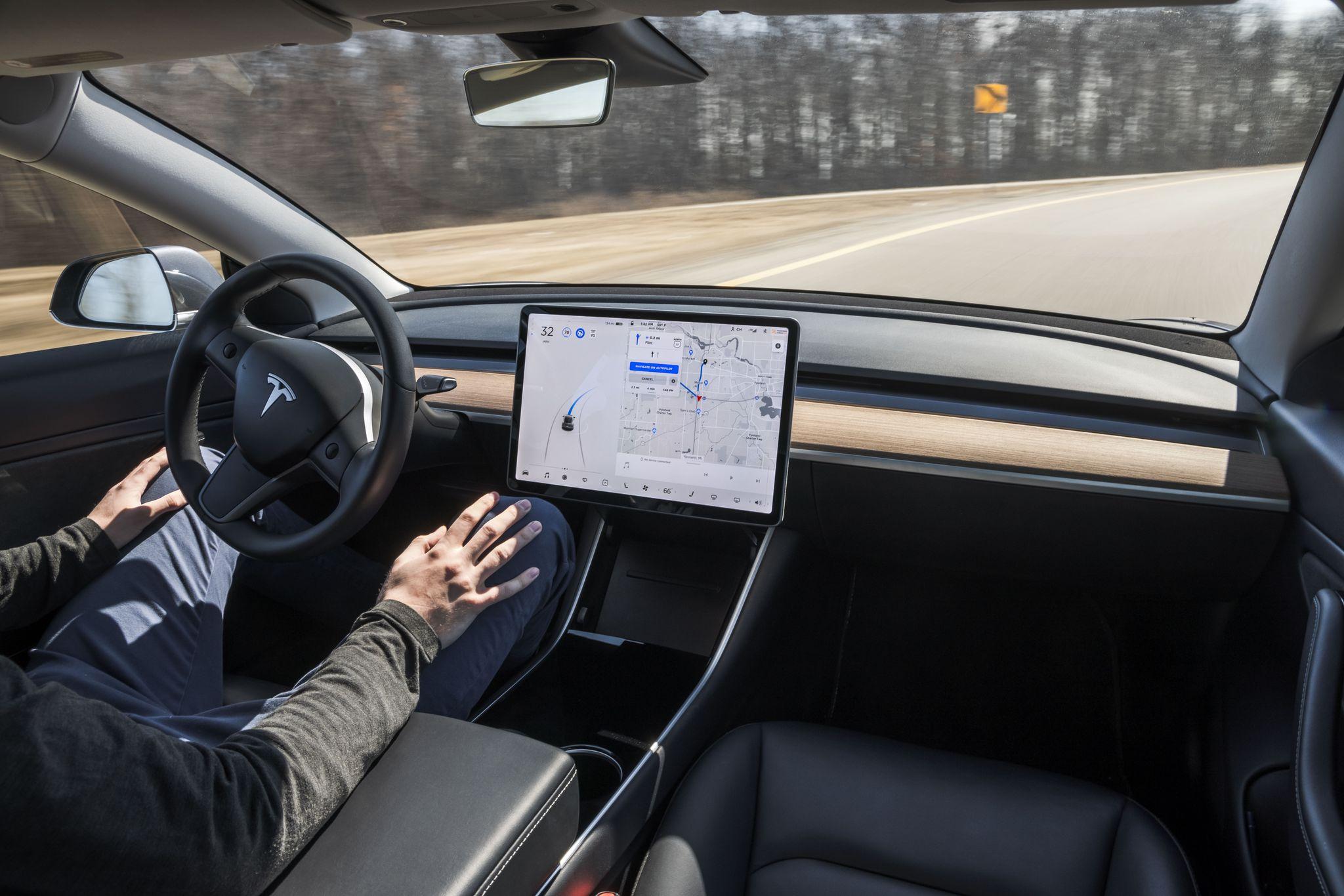 La NHTSA ouvre une enquête sur le système Autopilot de Tesla